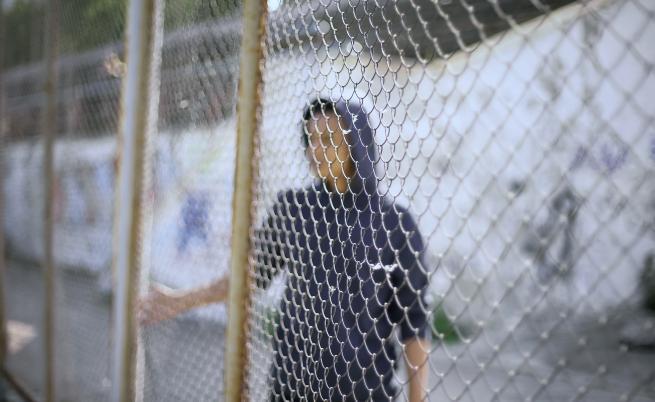 Бежански натиск: Унгария затвори границата си със Сърбия (Видео)