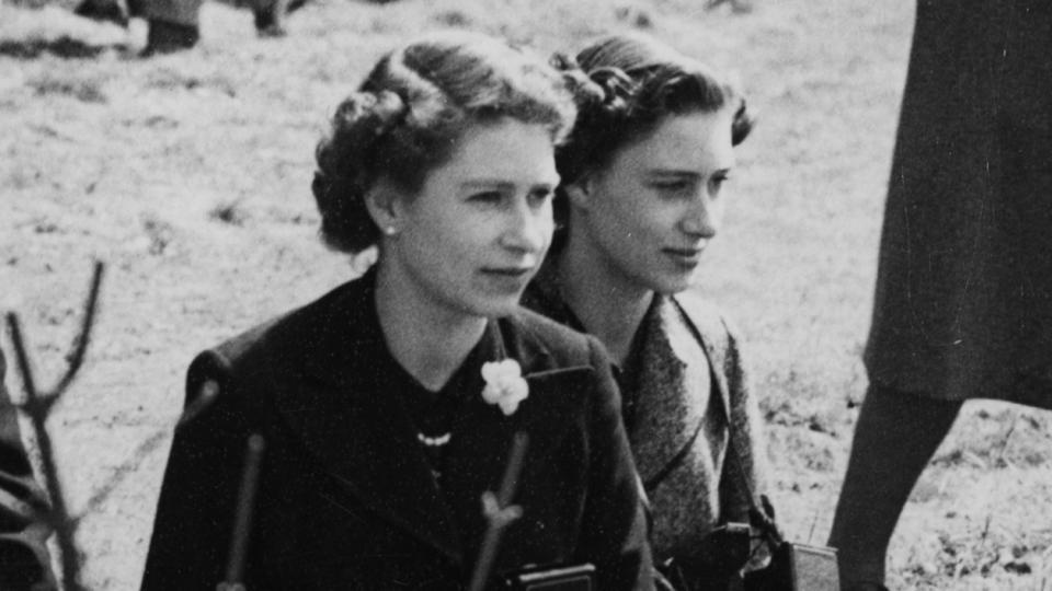 Елизабет Втора и Маргарет