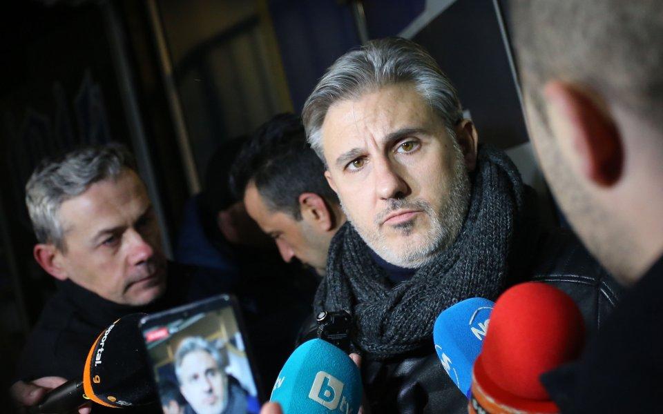 Словесните атаки между изпълнителния директор на Левски - Павел Колев,