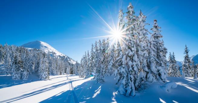 България Какво ще е времето през уикенда Максималните температури ще