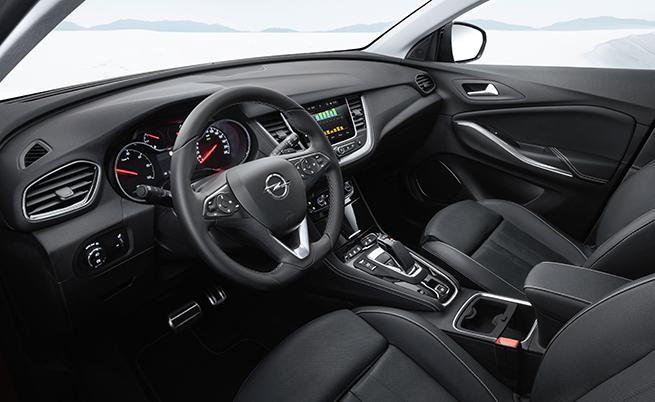 Моделът е оборудван с всички характерни системи за активна безопасност. Тук ще маркирам само услугата OpelConnect, която включва лайв навигация с информация за трафика в реално време и актуални цени на горивата, както и пряка връзка с Пътна помощ и e-Call.