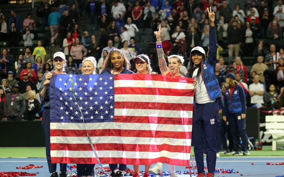 Серина с историческо поражение, но САЩ е на финал за