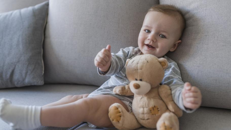 Как се развива бебето на 6 месеца