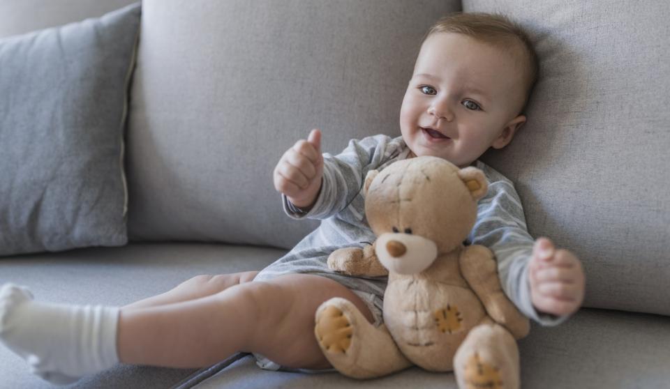 бебе играчка усмивка