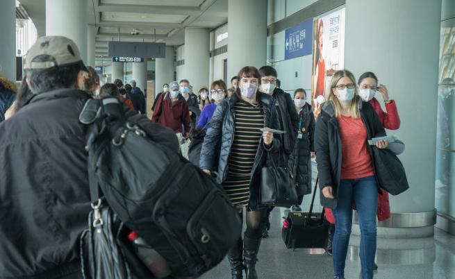 ЕК: Повод за паника няма, броят на заразените с коронавирус в ЕС остава нисък