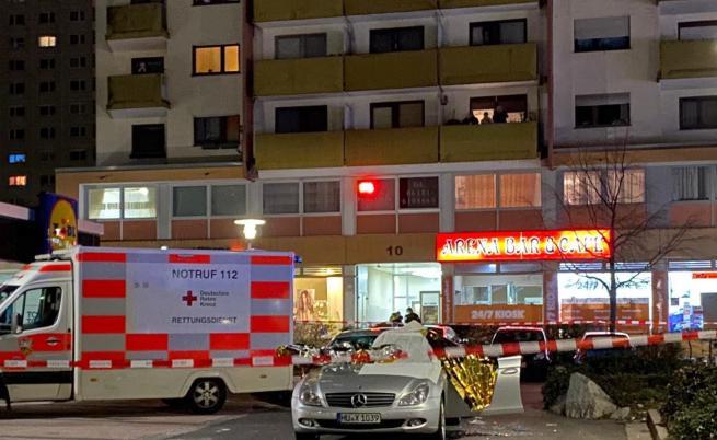 11 убити и ранени при стрелба в Германия