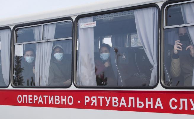 В Украйна: Бунт срещу евакуирани от Ухан, пострадаха полицаи