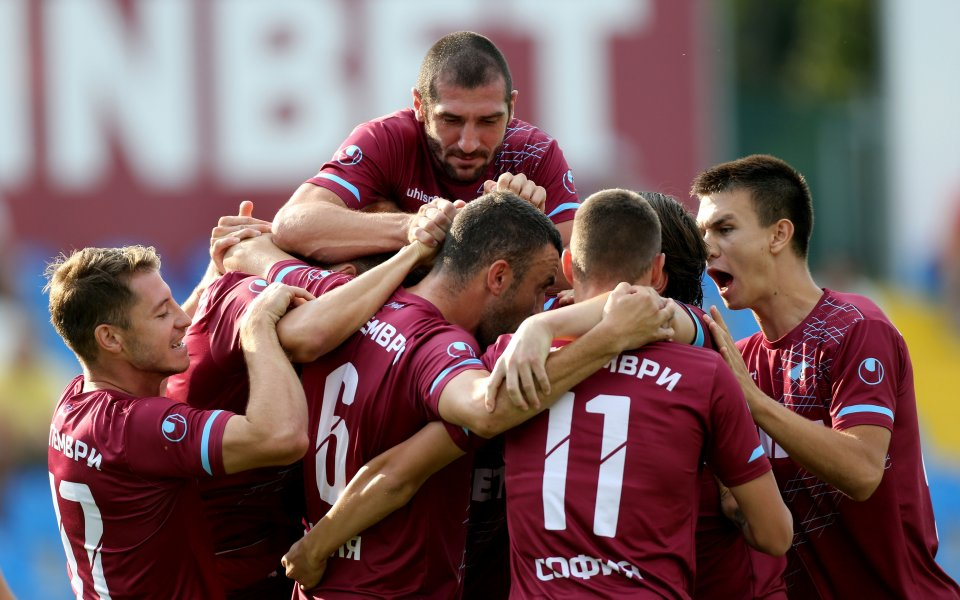 Септември София разгроми с 4:0 Черноморец Балчик в среща от