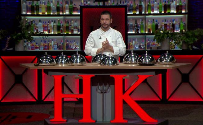 Двама готвачи в люта кулинарна битка за лидерското място в Hell's Kitchen