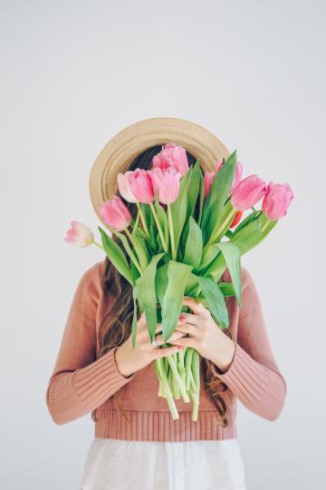 <p><strong>Риби</strong><br /> Днес ще сте по-чувствителни от обичайното, но за щастие емоциите няма да замъгляват здравия ви разум. Така че, ако трябва, помислете сериозно по даден въпрос или говорете с някого &ndash; сега е моментът да го сторите. Вечерта се отдайте на любимо занимание.</p>