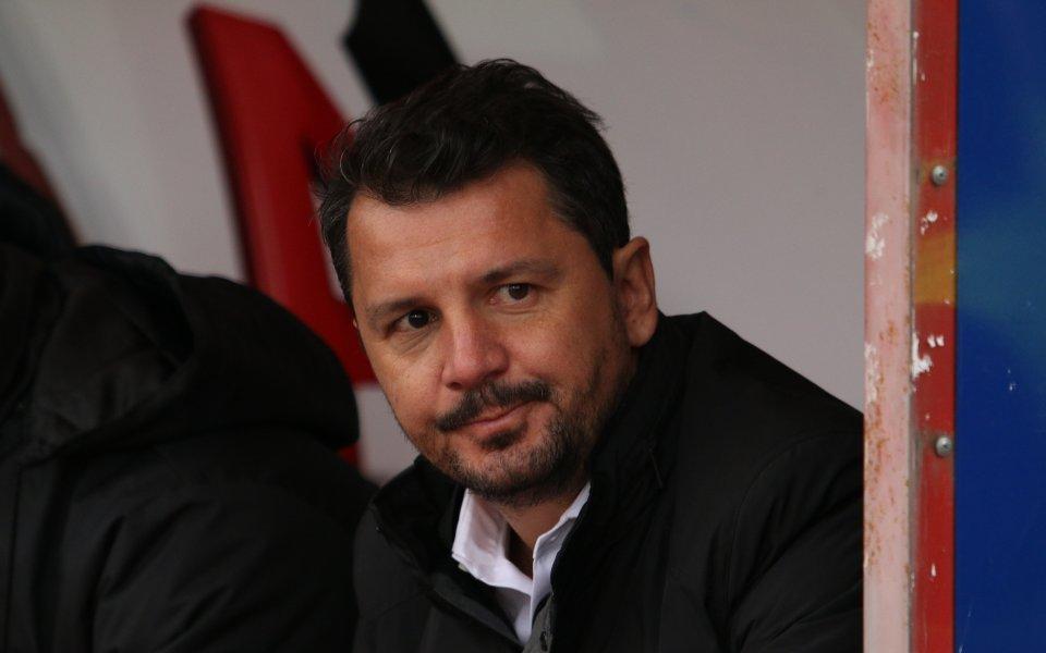 Наставникът на ЦСКА Милош Крушчич показа загриженост към журналисти от