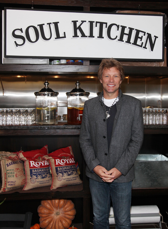 <p>През 2006 г. Джон Бон Джоуви създава своята фондация - Jon Bon Jovi Soul Foundation. Неговата организация се бори срещу бедността и социалните неравенства. Една от инициативите на фондацията е откриването на кухни за бедни - &bdquo;JBJ Soul Kitchen&ldquo; (&bdquo;Кухня за душата&ldquo;), където хората без пари могат да се нахранят.</p>