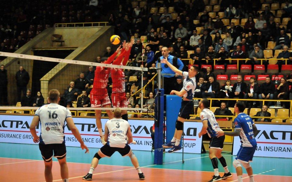 Волейболният шампион на България Нефтохимик 2010 постигна девета поредна победа