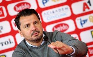 Крушчич: Аз не съм страхлив треньор, спекулациите не ми влияят