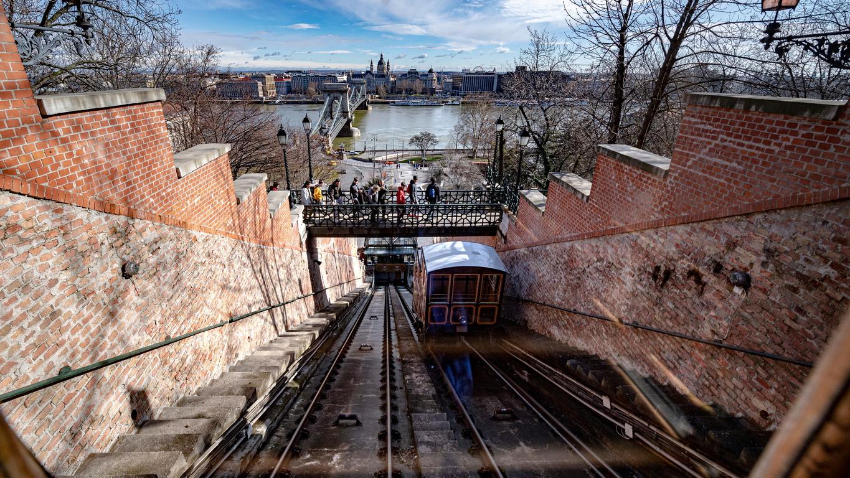 <p>Фуникуляра на Castle Hill в Будапеща, Унгария</p>