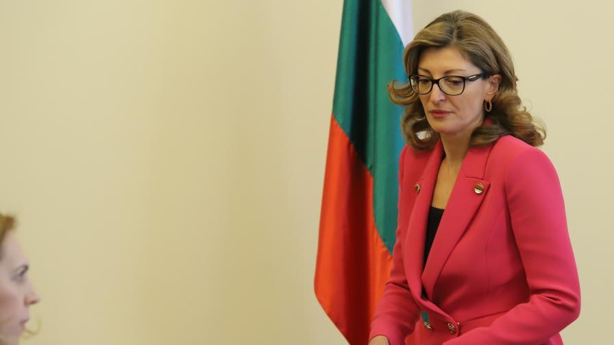 Пускат български граждани от чужбина дори и с изтекли документи
