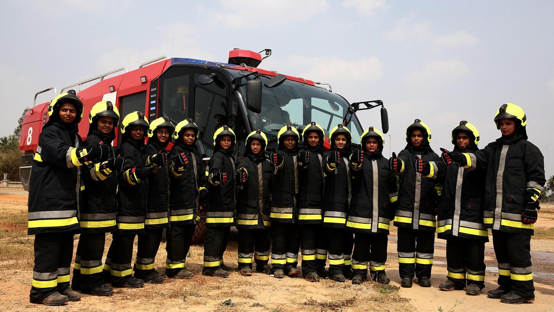 <p>Четиринадесетте жени са били обучени за пожарна служба в Индия и сега са част от по-големият отряд за спасяване и потушаване на пожари на самолети (ARFF)</p>