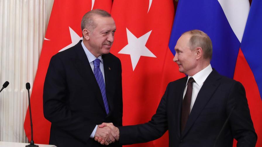 Путин и Ердоган се договориха, Турция връща бежанците в Сирия