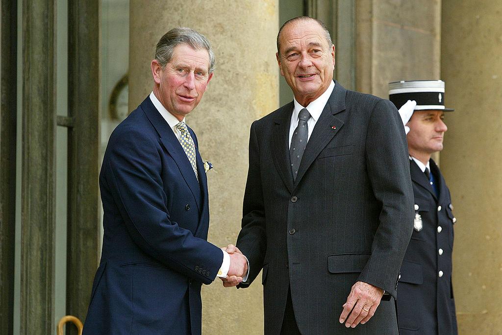 <p><strong>Принц Чарлз неведнъж е показвал жестокост към животните</strong></p>  <p>Веднъж той нарече ловът на лисици &bdquo;романтично&rdquo; занимание.</p>