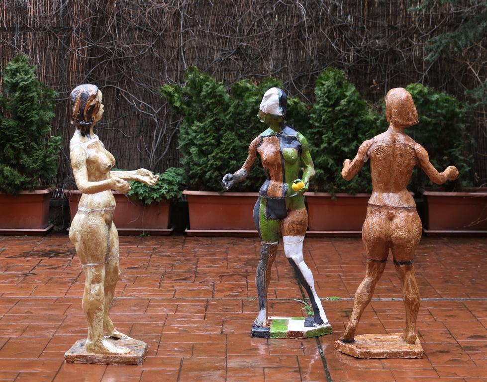<p>Трите Еви, керамика</p>