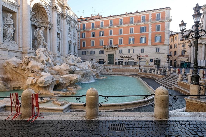 <p>Италия, красива страна с десетки милиони туристи, преминаващи през нея, сега е пуста.</p>