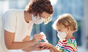 Експерти: Милиони деца са застрашени при втора вълна на COVID-19