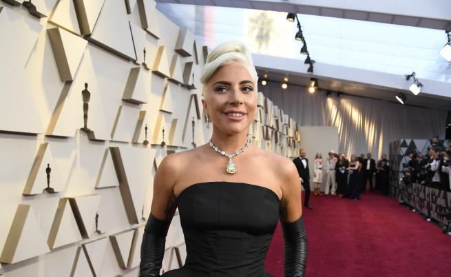 Лейди Гага с призив: Да си самоналожим карантина