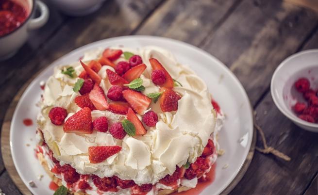 Коя е Павлова и защо кръстиха торта на нея?