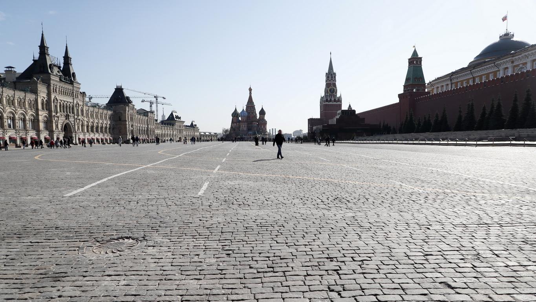 <p>По-рано на 16 март руският премиер Михаил Мишустин заяви, че Москва е решила да затвори границата с Беларус поради разпространението на коронавируса.</p>