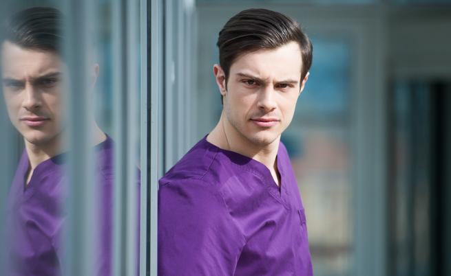 """Новият лекар в """"Откраднат живот"""": млад, красив и талантлив"""