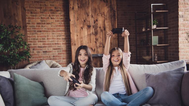 Как технологиите помагат на децата по време на самоизолация