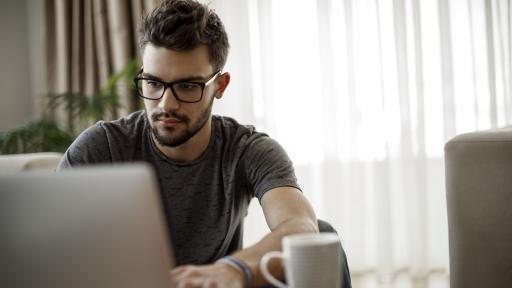 Вирусите онлайн и офлайн
