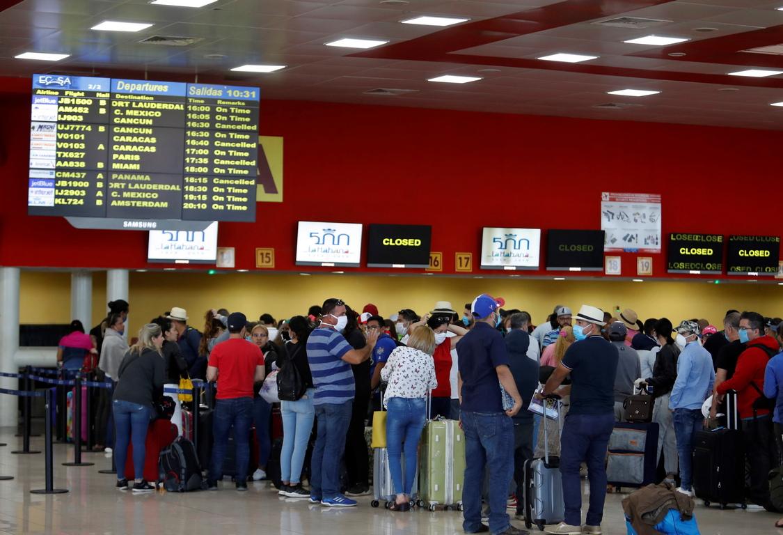 <p>Президентът Мигел Диас Канел заяви, че в страната ще могат да влизат само кубински граждани.</p>