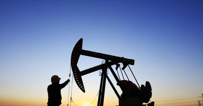 Свят Цената на нефта от марка WTI падна под $20