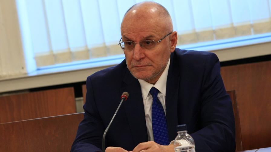 Гуверньорът на БНБ Димитър Радев