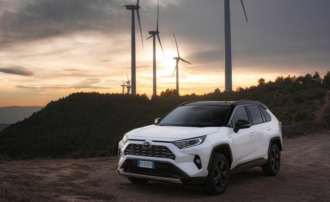 Toyota търси помощ от китайската BYD за е-колите