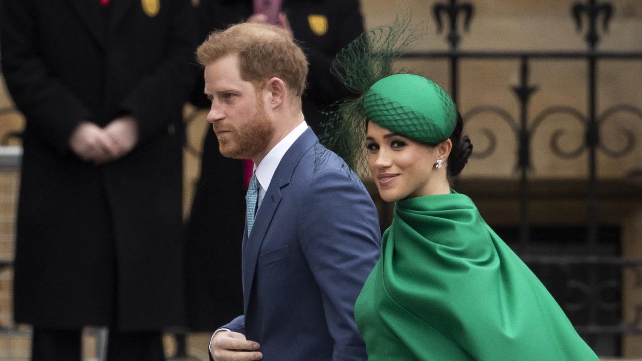 <p>Маркъл изглеждаше зашеметяващо в изумрудено зелена рокля Emilia Wickstead за последната си изява като старши член на кралското семейство на службата по случай Деня на нациите от британската общност, проведена на 9 март в Лондон. Визията ѝ&nbsp;бе съчета на със шапка William Chambers и чантичка Gabriela Hearst.</p>
