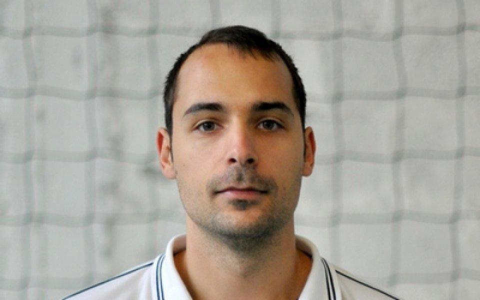 Треньорът от школата на БУБА Баскет Борис Бракалов бе първият