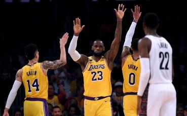 Клуб от НБА също бе помолен да намали заплатите на звездите си