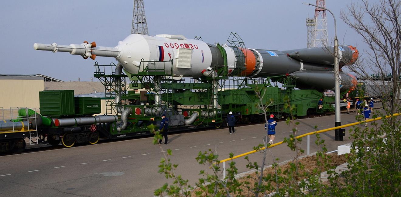 <p>Този полет е трети за Касиди и Иванишин и първи за Вагнер. Очаква се мисията им на борда на орбиталния комплекс да продължи 196 дни.</p>