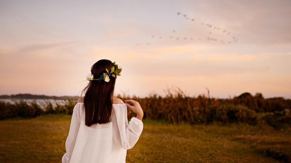 жена цветя природа