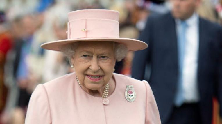 Кралица Елизабет Втора от началото на управлението си до днес