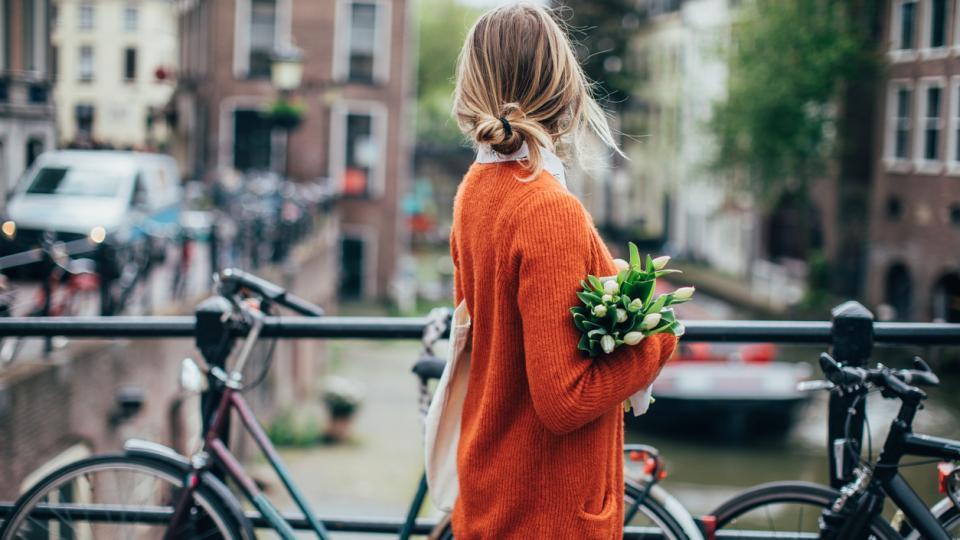 жена пролет лале лалета колело