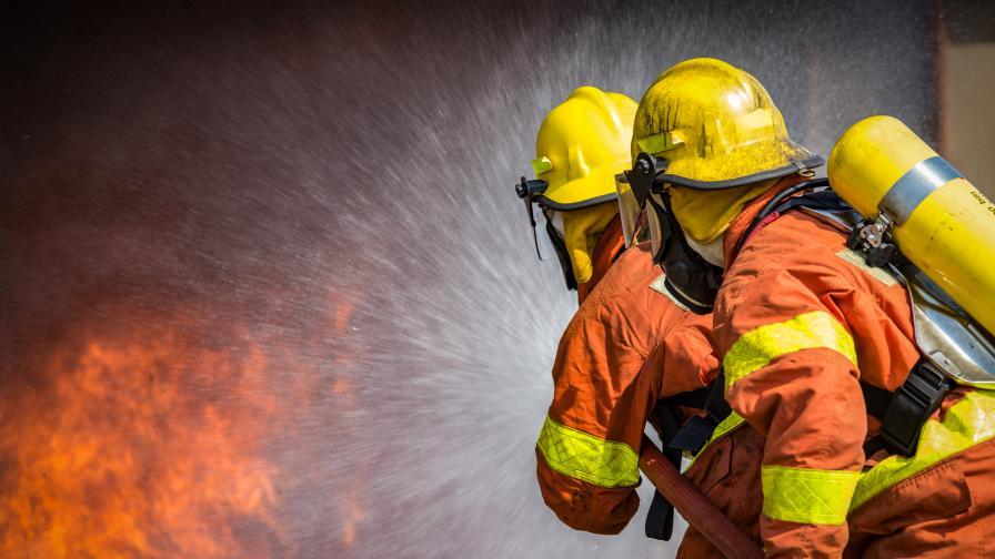 Четирима души загинаха при пожар в COVID отделение