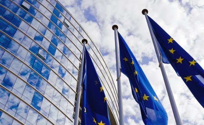 ЕК одобрява помощ от 770 млн. евро за покриване на част от заплатите у нас