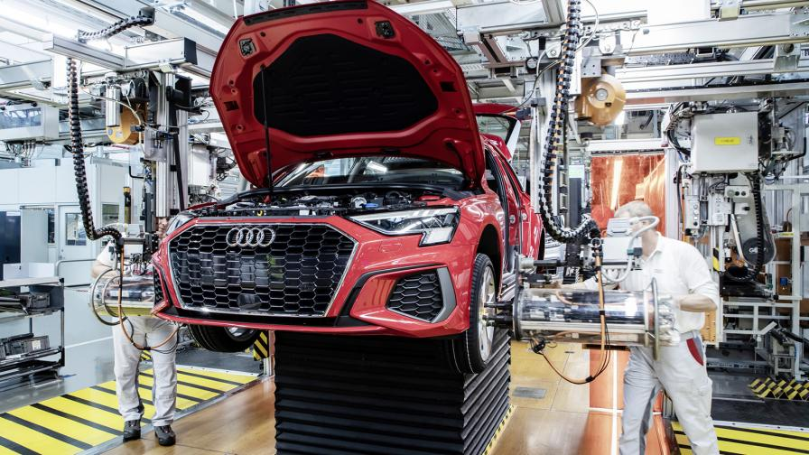 Започва бавното рестартиране на автомобилната промишленост на континента