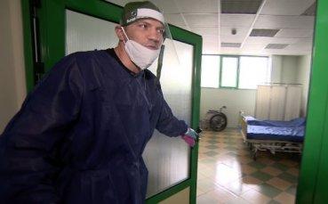 Тервел Пулев помага на лекари в столична болница от сутрин до вечер