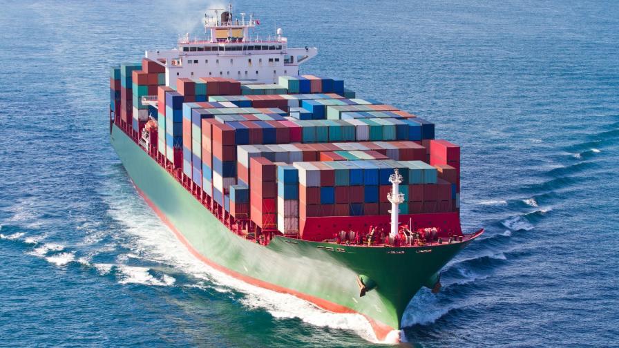 МВнР потвърди: Има българин на кораба, похитен от пирати край Бенин
