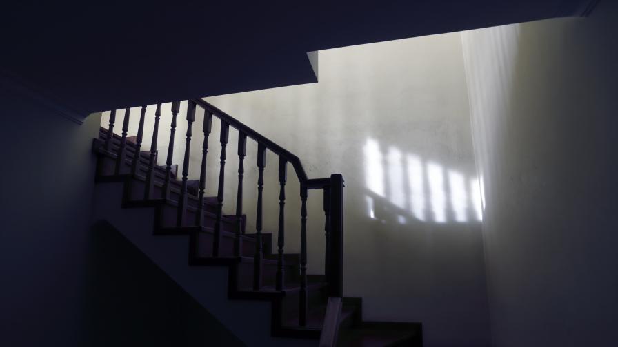 Къща на ужасите: Разкриха група за трафик на бебета в Украйна