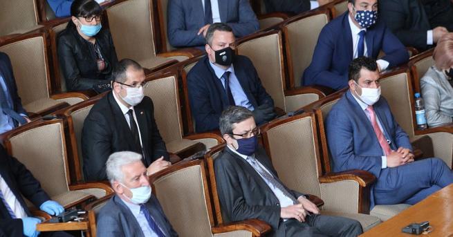 България РЗИ влезе в НС, по 300 лв. акт за